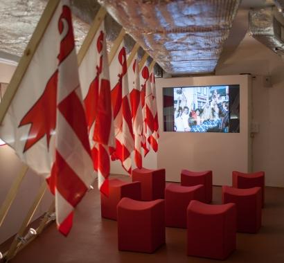 MUNABAR 2018, Installation Fahnenmeer